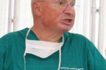 Doctorul Mihai Lucan poate profesa intr-un spital de stat, urmand a fi cercetat sub control judiciar