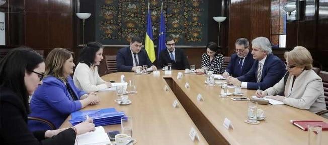 Premierul s-a intalnit cu reprezentantii Asociatiei MAME. S-a discutat despre decontarea tratamentului si serviciilor medicale pentru pacientii cu afectiuni oncologice si mastocitoza