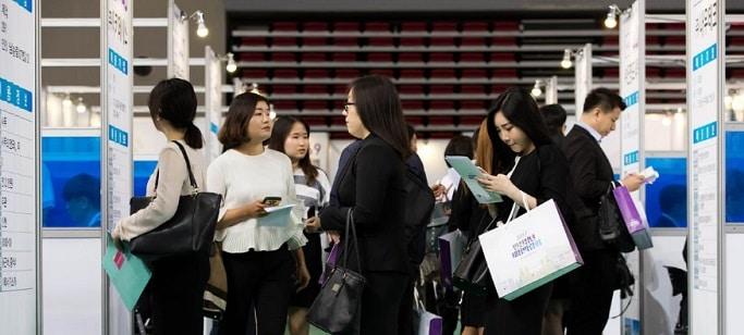 Coreea de Sud micsoreaza saptamana de lucru de la 68 la 52 de ore pentru a creste rata natalitatii si a imbunatati calitatea vietii