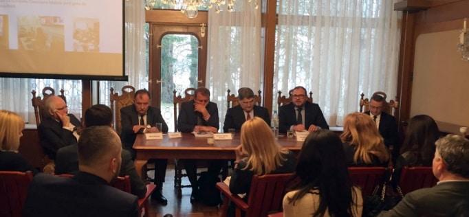 Dialog cu diaspora in Germania. Au fost prezentate demersurile de modernizare a retelei consulare romane, prin implementarea Sistemului Informatic Consular E-Cons