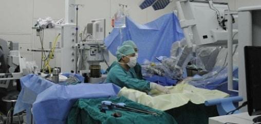 Romania dezvolta un robot pentru tratamentul onco-chirurgical al pacientilor cu cancer hepatic. Proiectul IMPROVE este derulat de UMF Cluj si Universitatea Tehnica
