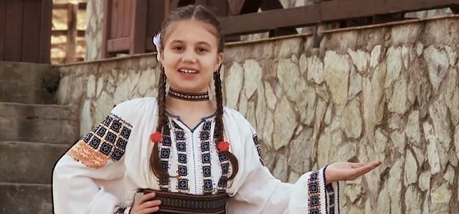 Ana Maria Gheorghitoaia, o cantareata de muzica populara de numai 10 ani, a murit dupa ce a stat in coma mai multe zile