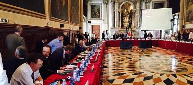 Modificarile la Legile Justitiei ajung la Comisia de la Venetia. Consiliul Europei a aprobat solicitarea PNL