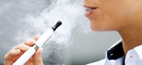 Tigarile electronice si dispozitivele pentru fumat care incalzesc tutunul ar putea fi interzise in spatiile publice inchise