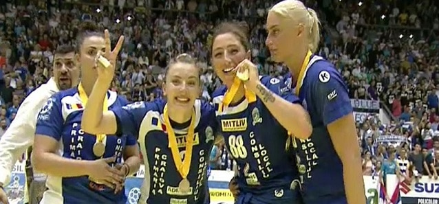 Cupa EHF a fost castigata de Romania. Dumanska a adus trofeul la Craiova cu doua interventii fabuloase in ultimele secunde