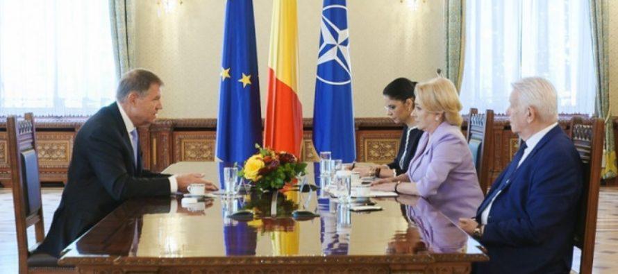 Presedintele Iohannis s-a intalnit cu Dancila si Melescanu: Tensiunile interne pe teme de politica externa trebuie sa inceteze imediat. Deciziile se iau cu responsabilitate