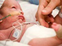 Nou-nascutii de la Spitalul Judetean Constanta au o sansa in plus la viata. Donatie oferita de 450 de copii si parinti pentru intubarea micutilor prematuri, aflati in situatii medicale critice