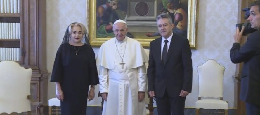 Dancila, catre Papa Francisc: Sfintia Voastra, I am very glad for this opportunity!