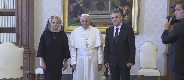 Premierul Viorica Dancila a fost primita in audienta privata de Papa Francisc. Intalnirea l-a binedispus pe Sanctitatea Sa