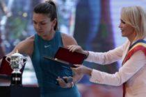 Gabriela Firea, intre aplauze fake si huiduieli reale. G4media: Firea a vrut sa pluteasca pe valul popularitatii Simonei Halep