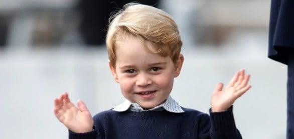 Marea Britanie il sarbatoreste pe Printul George. Kate Middleton si Printul William au facut public un portret impresionant