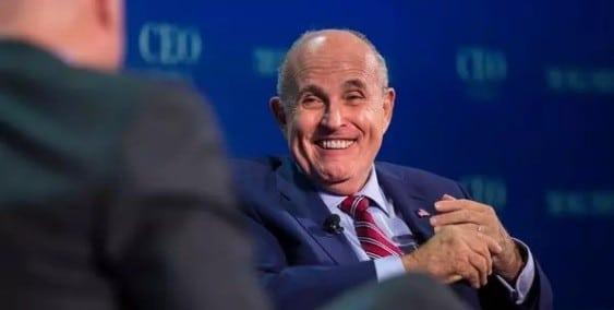 Rudolph Giuliani a fost platit pentru scrisoarea trimisa presedintelui Iohannis - Politico