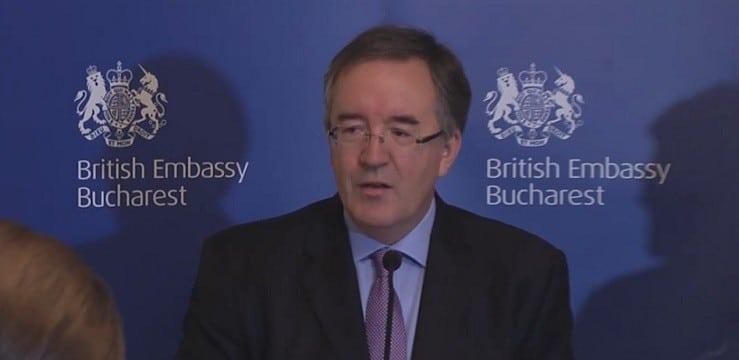 Andrew Noble, noul ambasador al Marii Britanii in Romania, a vorbit perfect in limba romana la prima sa conferinta de presa in aceasta calitate: Am stat 3 ani la Bucuresti, din 1983 pana in 1986. Ma bucur sa ma reintorc