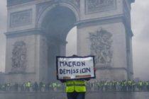 FRANTA. Macron face un pas inapoi, Guvernul de la Paris anunta ca va suspenda cresterea taxei la carburanti
