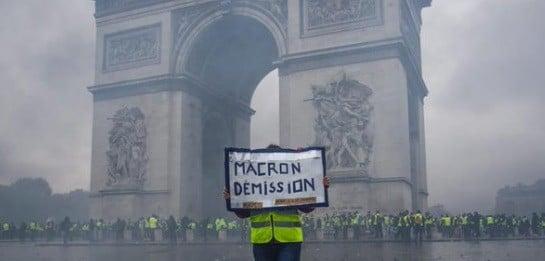 FRANTA. Fenomenul fake-news vs vestele galbene. Mai multi raniti la protestele de la Paris, printre care si jurnalisti