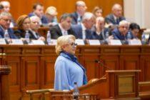 Premierul Viorica Dancila: Decat sa vorbesc liber si sa spun prostii, mai bine sa am o hartiuta