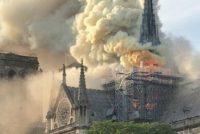 Catedrala Notre Dame din Paris, mistuita de flacari! Istoric: Asistam la prabusirea celui mai vizitat monument istoric din lume