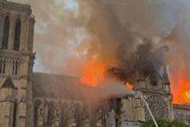 Fatada catedralei Notre Dame din Paris a fost salvata. Ar putea, oare, aceasta nenorocire, sa-i resudeze pe francezi ca natiune?