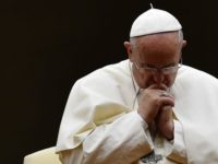 Incendiu la Notre-Dame din Paris. Papa Francisc a transmis un mesaj de la Vatican prin intermediul purtatorului de cuvant