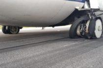 Incident cu o aeronava TAROM care efectua cursa Satu Mare – Bucuresti, anvelopele trenului de aterizare au explodat