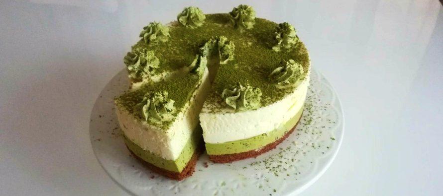 Flory Kitchen va prezinta un desert cu stil: Tort cu ciocolata alba si ceai verde