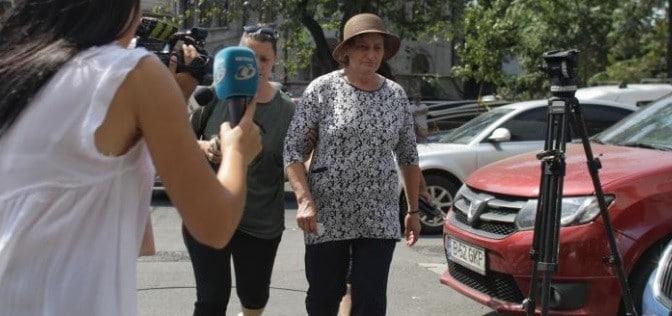 Copiii si sotia lui Gheorghe Dinca s-au imbrancit cu jurnalistii aflati la sediul DIICOT