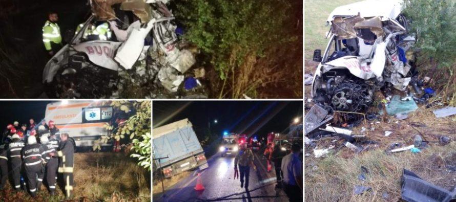 Accident dramatic in Ialomita, dupa ce un TIR a spulberat un microbuz: 10 morti si 7 raniti