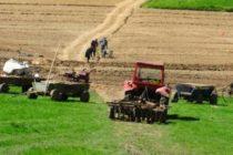 """Clubul Fermierilor Romani a lansat programul """"Tineri Lideri pentru Agricultura"""" prin care se urmareste pregatirea generatiei de tineri fermieri romani"""
