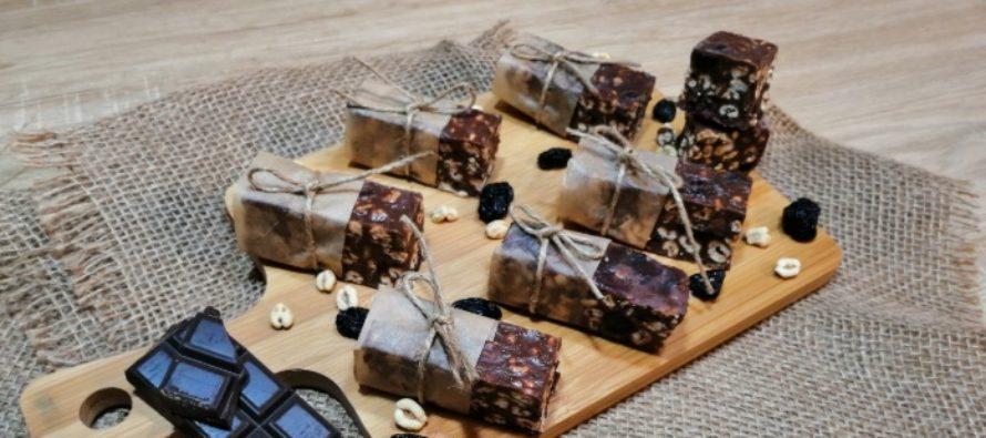 Batoane crocante de ciocolata, un desert delicios de la Flory Kitchen