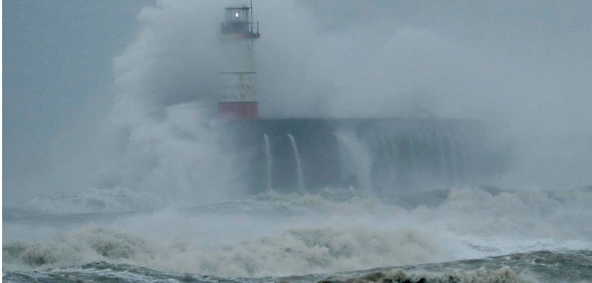 Furtuna Ciara continua sa faca probleme in Europa, mai multe zboruri au fost anulate inclusiv in Romania