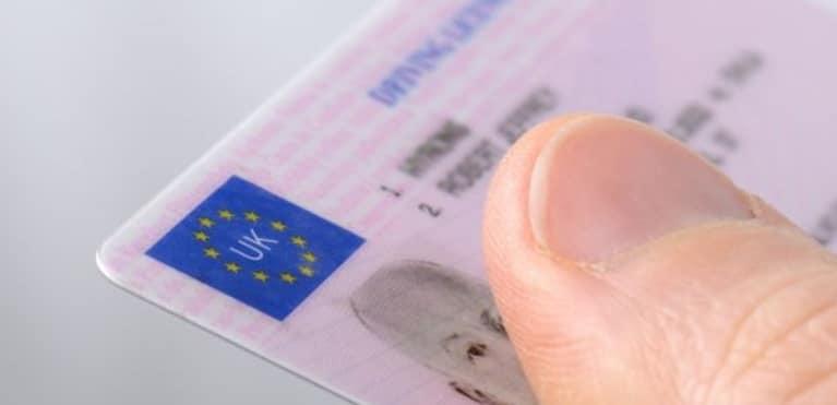 MAI a adaugat noi tari pentru care permisele auto se preschimba in Romania fara examen, printre care se numara si Marea Britanie