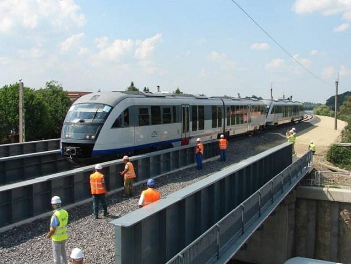 Trenul Gara de Nord - Aeroportul Otopeni va fi inaugurat in decembrie