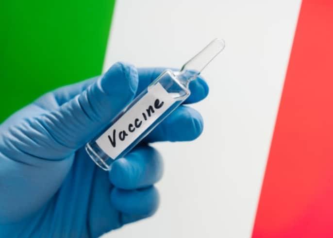 Italia a prelungit starea de urgenta pana in ianuarie 2021, purtarea mastii a devenit obligatorie
