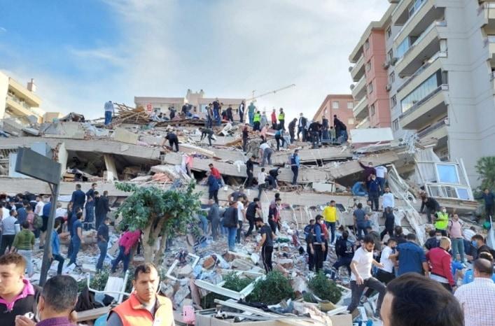 Cutremur in Turcia si Grecia de 6.7 pe scara Richter, o parte din orasul Izmir este sub daramaturi
