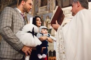 Petrecerea de botez este primul eveniment din viața bebelușului tău.
