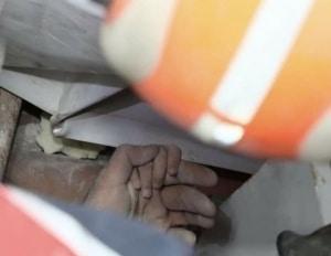 Miracol in Turcia. O fetita ingropata sub daramaturi, gasita in viata la patru zile dupa cutremur. FOTO