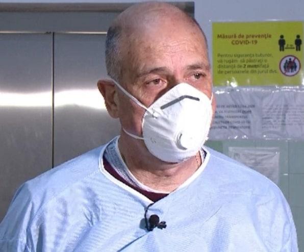 Medicul Virgil Musta atentioneaza: Orice contact cu o alta persoana fara purtarea mastii este un pericol