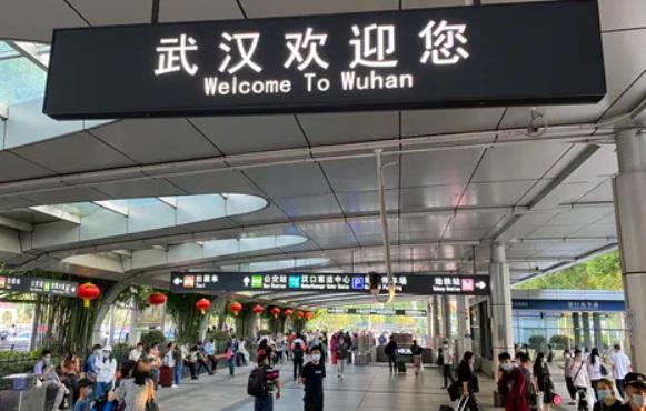 SUA acuza din nou China ca ascunde adevarul privind originea pandemiei COVID-19. Virusologi din Wuhan aveau simptome de coronavirus inainte de anuntarea primului caz
