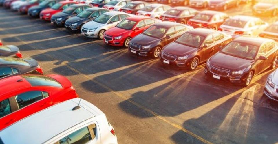 vânzare de mașini noi